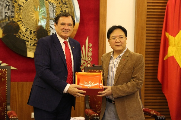 I.G.F. OFFICIAL DELEGATION, WORK VISIT IN VIETNAM